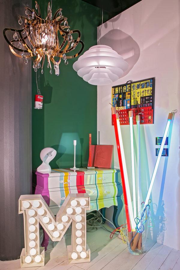 negozio illuminazione design arredamento pop art scritte luminose