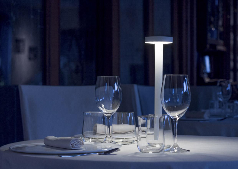 Lampada da tavolo led per ristoranti che luce lighting for Lampada ristorante